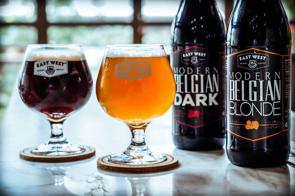 bia crafted Modern Belgian Dark và Blonde là 2 loại bia vừa đầm tại East West