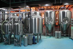 Nhà máy sản xuất bia của East West Brewing nơi cho ra đời những mẻ bia thủ công thơm ngon nhất