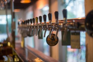 Pale Ale và Saigon Rosé chiếm hai đầu vòi tại Rogue
