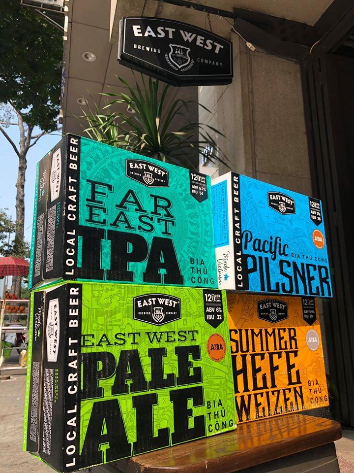 Thùng bia 12 lon với màu sắc rực rỡ của East West